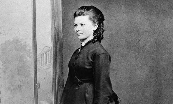 Conheça a mulher que fez a primeira viagem de carro na história. - W2SAT Rastreamento Veicular